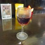 炭火ほるもん ひとすじ - 赤ワイングラス