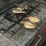 民芸茶房 - 焼魚は炭火で焼き上げます✨ いい匂い♪( ´▽`)