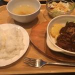 J'sベッカライ - チキンのビール煮込みランチ 1000円
