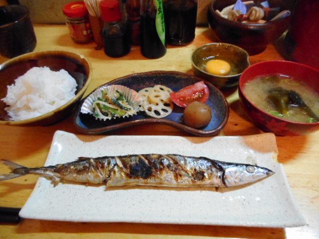 可ぶら家 - 魚定食(生さんまを選択)650円