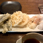 蕎麦の実 - 天麩羅(茄子、蓮根、ちくわ)