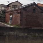 キシモト - 趣のある煉瓦倉庫の前を通って。。