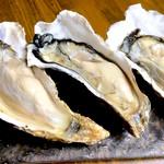 童馬 - 料理写真:北海道仙鳳趾産真牡蠣
