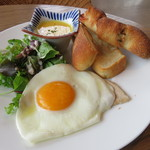 56669930 - 吉田パン工房のパンと自家製ハムのブレックファースト1