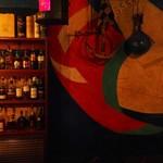 ザネリ - 壁のアートが個性的