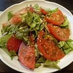 花たぬき - 「加茂トマトサラダ九条葱ドレッシング」です。