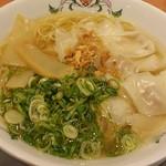 56672934 - ワンタン麺