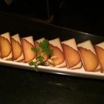 56675755 - スモークチーズといぶりがっこ、600円(税別)
