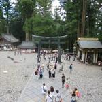 きしの - 神厩舎(三猿)、内番所、銅鳥居、御水舎