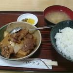 長野屋食堂 - 肉どうふ定食