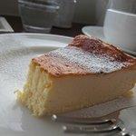 カフェ ロワン - ベイクドチーズケーキ