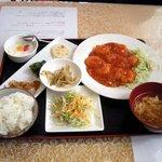 東方美食 - Aランチ エビチリ