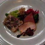 リストランテ フォンタナ - 有田鶏のハム、豚肉のハムとラグー