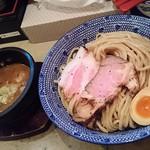 56685070 - 石焼つけ麺(大盛り) 880円