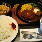 和風レストラン 魚勝 - 日替り定食(627円税込)この日はハンバーグ‼