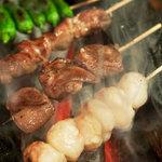 ばりとんっ - 炭火でじっくりと焼いた串焼き