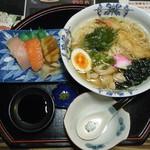 みき寿司 - 特製鶏煮込みにゅう麺 にぎり三貫せっと@864