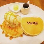 56695868 - クラシックバターミルクパンケーキ