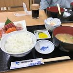 柏崎魚市場 水産物地産地消会館 市場食堂 - 刺身定食 ¥1200