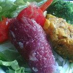 PEGGY珈琲 - 美しいサラダのアップ
