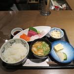 ととや 元 - 料理写真:刺身定食