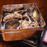 浜焼太郎 - 牡蠣のカンカン焼き