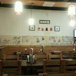 韓味楽 - 店内は可愛らしく、清潔感があり、女性一人でも入りやすいですよ