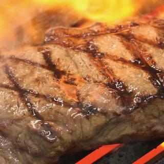 リーズナブルな価格にてステーキを召し上がることが出来ます!!