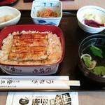 登三松 - サービス定食 1350円