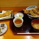 Tenzan - 穴子丼1300円、全体像。