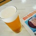 56712844 - 生ビールの注ぎ方が結構上手でビックリ。