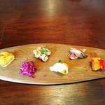 キッチン ワーク ペコリーノ - 料理写真:6種類のデリ付きのランチ