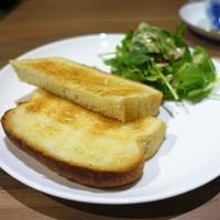 千寿-バタートースト サラダ添え