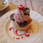 サロン・ド・テ・アルション 法善寺本店 - 友人の注文したケーキ