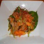 味庵 - 毎日直送の鮮魚で作る、韓国風刺身の野菜和え(甘辛酸味ソース)は絶品!