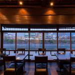 先斗町 魯ビン - 内観写真:鴨川、東山が一望!2階席