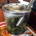 中華天天食堂 - 無料のキュウリの漬物