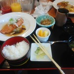 ファカルティラウンジ - 料理写真:今日の日替わりランチは魚   950円