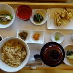 56767464 - 2016年焼き松茸の炊き込みご飯