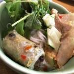 ベトナム料理 オーセンティック - ブンチャー(とりわけ・盛り付け後)