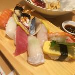 海鮮うまいもんや磯之家 - お寿司10貫(ひとつが大きめ)