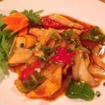 GOI CUON - イカと野菜の炒めもの