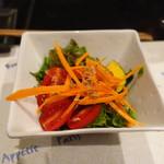 自家製手打ち蕎麦 どらぺ - 無農薬野菜のサラダ