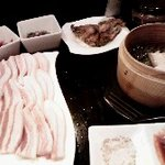 韓日亭 - サムギョプサルと蒸し豚