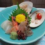 魚重楼 - お造り(蛤の刺身、ヒラメ・車海老の刺身・マグロの刺身等)
