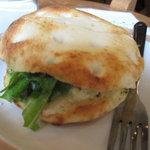 モーツアルト - チーズとベーコンとポテトのフォカッチャ