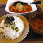 ウマゴン - 「ピリ辛鶏」定食
