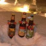 マハロカフェ リストランテ - 雪に凍えるハワイのビール(マハロカフェのテラスにて)