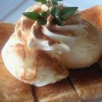 じゅんの里 - 料理写真:甘味 『メープルシロップトーストのバニラアイス添え』 525円