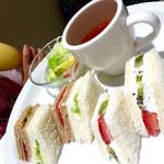 56811674 - ランチセットのサンドイッチ